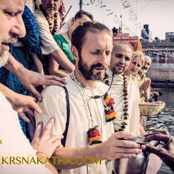 A photoreport from parikrama to Vrindavan (India) in the direction of Sri Prem Prayojan Prabhu in 2014